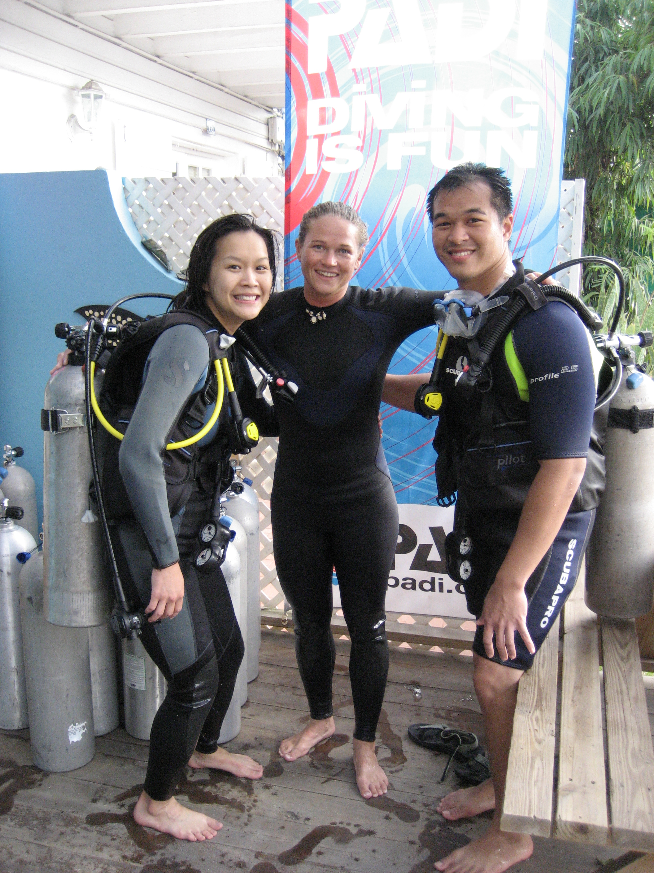 How To Get Your Wife Scuba Certified (And Have Fun Doing It ...