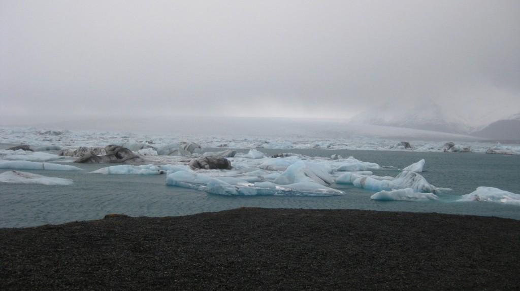 Jökulsárlón iceberg lake